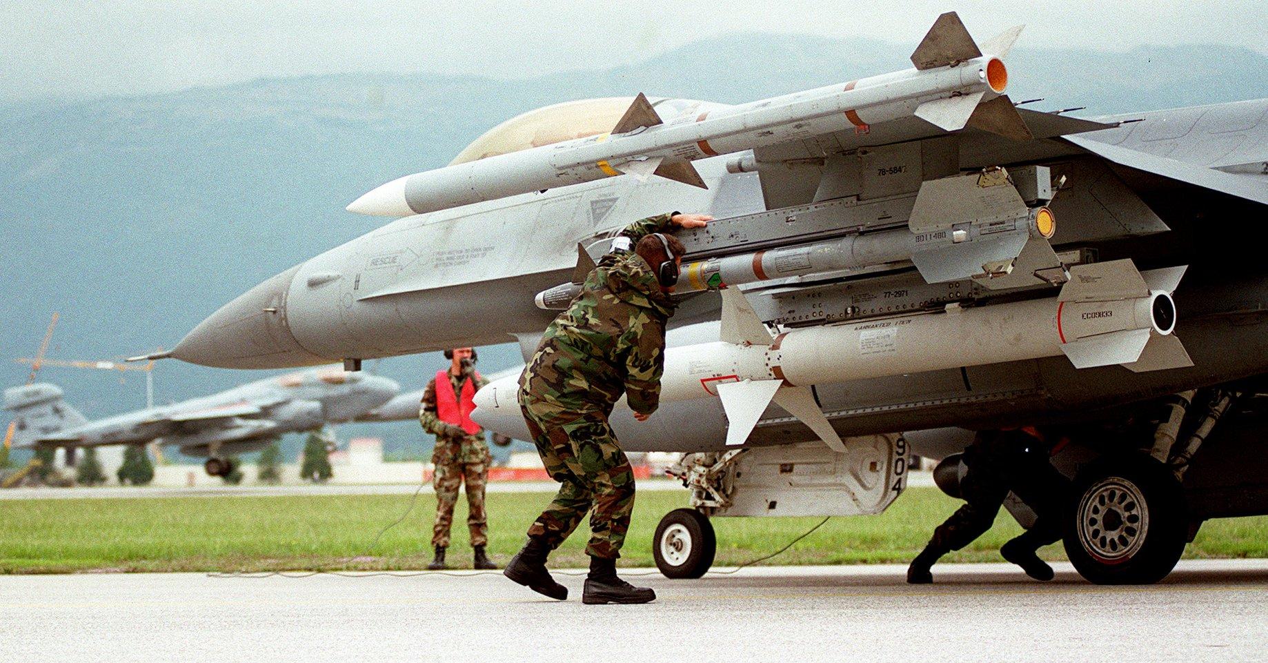F-16CJ Blok 50 bio je naoružan za CAP (Combat Air Patrol) i SEAD (Suppression of Enemy Air Defence) misije i mogao je da ih obe obavlja u jednom letu / Foto: USAF
